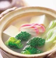 ブロッコリーと豆腐のジンジャースープ鍋