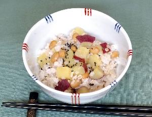 サツマイモと雑穀ご飯