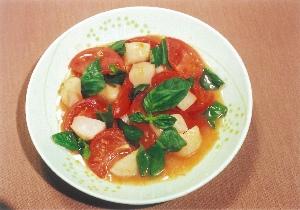 トマトとホタテのバジル炒め